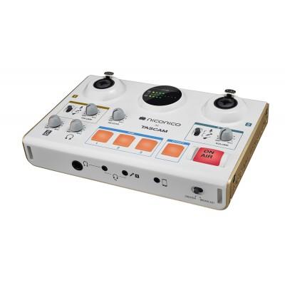 TASCAM MiNiSTUDIO CREATOR US-42 USB AUDIO INTERFACE